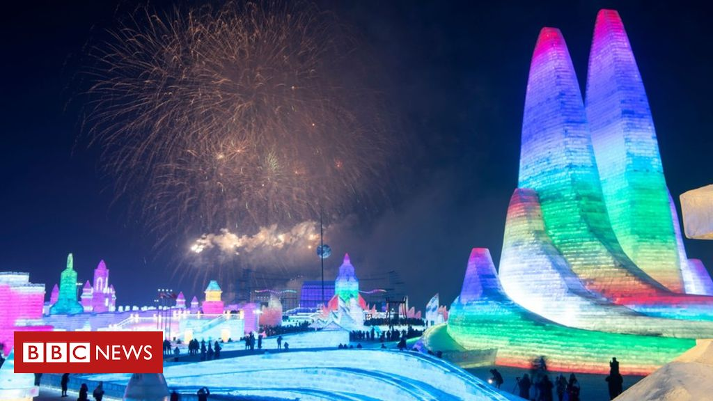 Stunning ice sculptures at Chinese festival