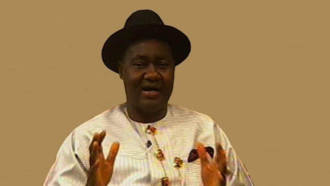 Nigeria news : Federal Ministry Ogoni $1bn project: Magnus Abe warns Nigerian govt, HYPREP