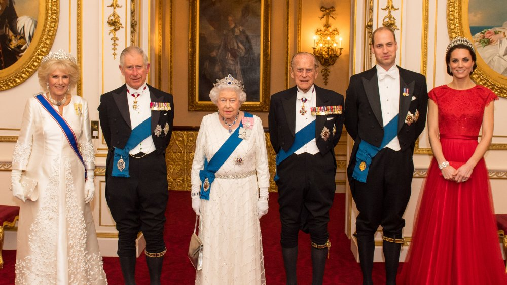 The weird item the royal family keeps while traveling Queen Elizabeth