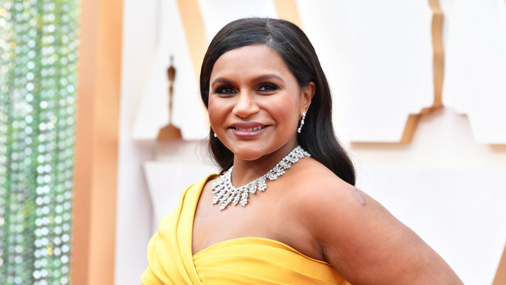 Where does Mindy Kaling live and how big is her house?