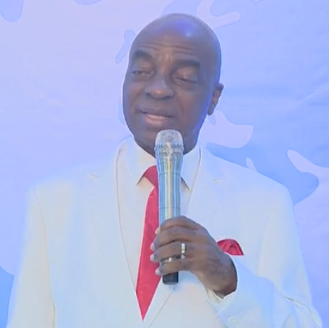 How can people be allowed in markets for six hours, but cannot be allowed in church for two hours - Bishop Oyedepo kicks against lockdown order (video)