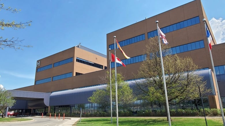 Doctor linked to Campbellton COVID-19 cluster says he made 'an error in judgment'