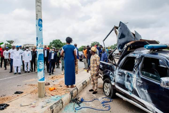 Nigeria news : Akeredolu condoles police, families of officers who died in Ondo State auto crash.