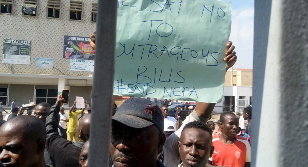 Nigeria news : End SARS: Ibadan protesters kick against outrageous bills by IBDEC [PHOTO]