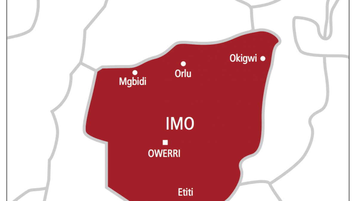 Nigeria news : Imo State govt orders contractor to refund N1.4bn mobilisation fee, bans levies in schools