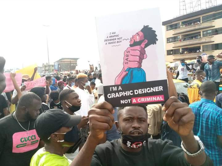 Nigeria news : Massive crowd as #EndSARS protest hits Ondo [PHOTOS] below