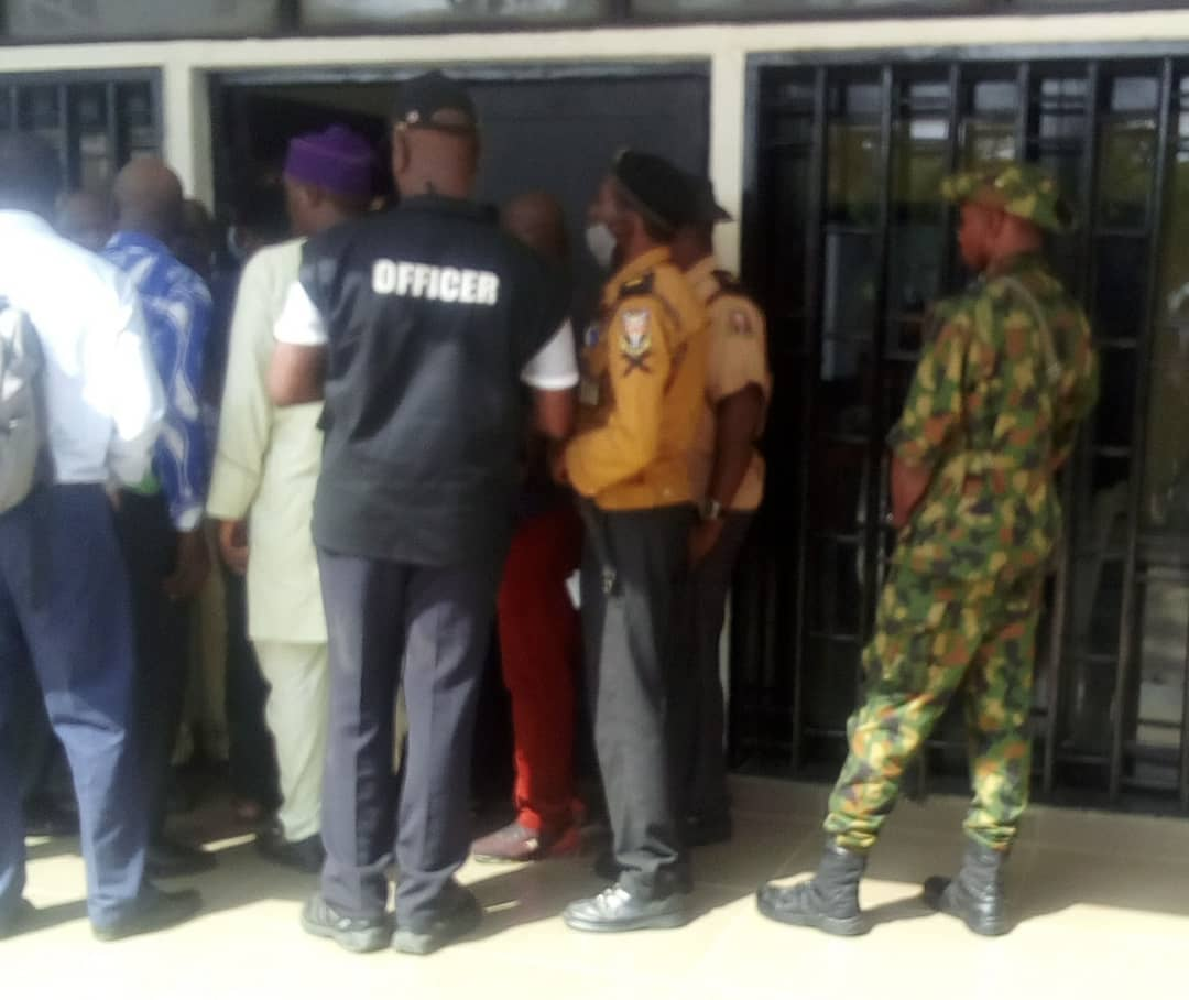 Nigeria news : BREAKING: VC race: Soldiers, DSS storm UI over selection of VC