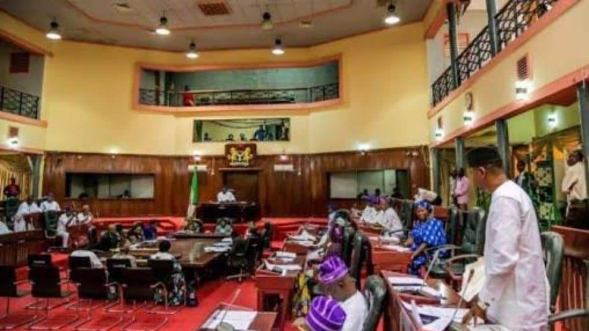 Nigeria news : Oyo Assembly reinstates 13 suspended caretaker committee Chairmen
