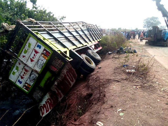 23 people killed after truck conveying humans and cows crashed in Niger state wowplus