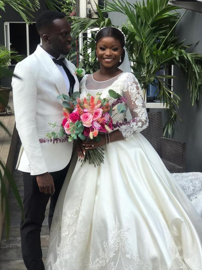 "Manchester United fan says as he married the love of his life (Photos) ""Life time contract, no release clause"""