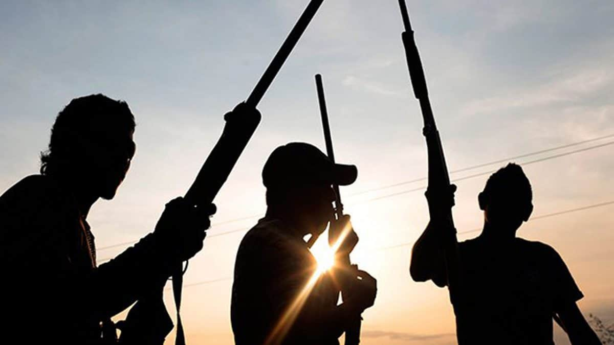 Gunmen invade church, kill police officer in Delta