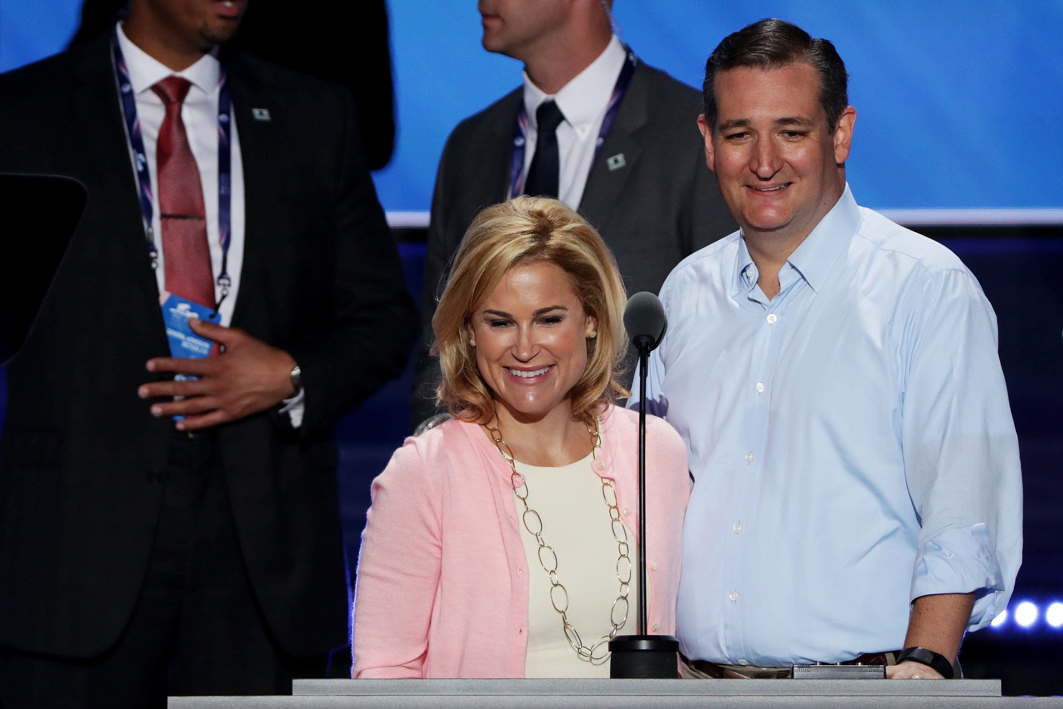 Heidi Cruz, pictured with Ted Cruz in 2016, tried to organize an extravagant trip with friends to Cancun, according to The Ne