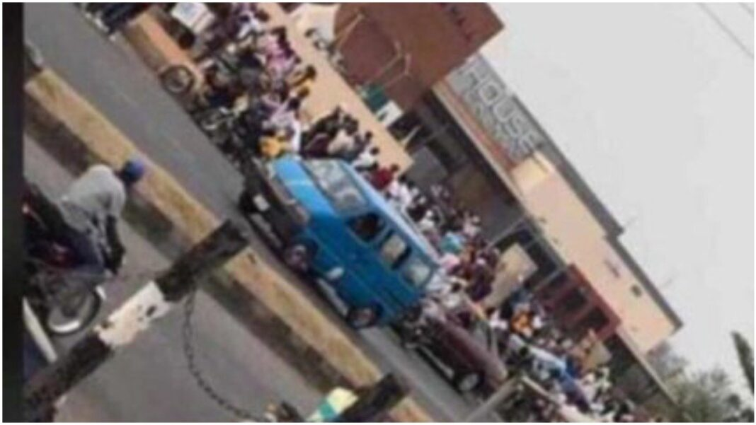 Valentine's Day: Osogbo residents defile COVID-19 protocols in celebration