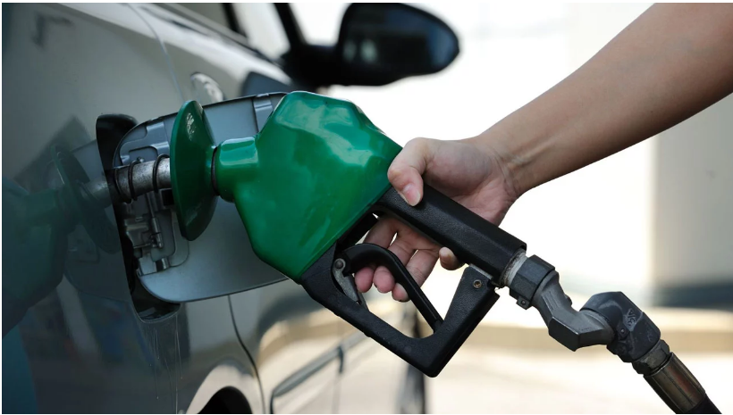 """Nigeria news: Confusion over fuel price: Stakeholders, analysts blame """"dysfunctional"""" government"""
