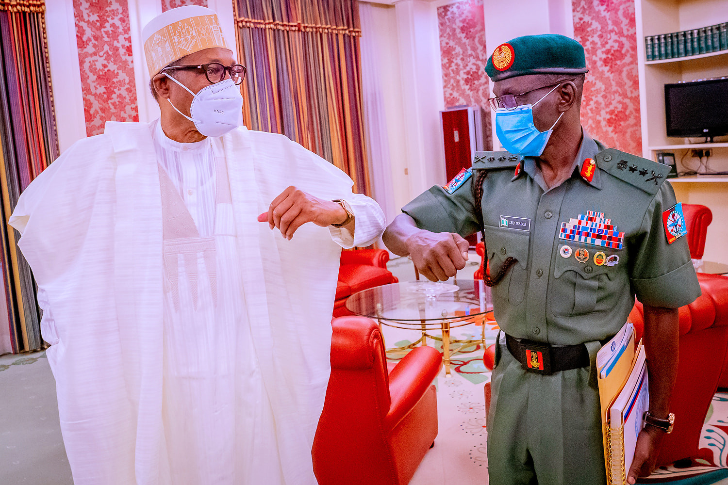 Insecurity: President Buhari holds special consultation with Defence Minister and Chief of Defence Staff