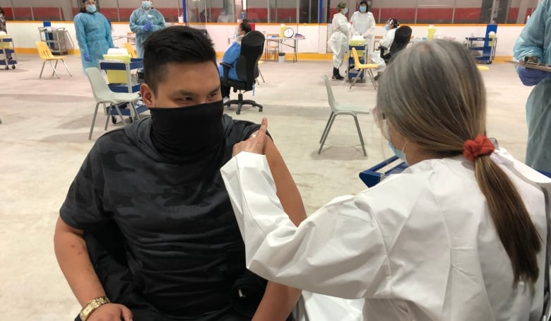 Manitoba First Nations race to deliver 100,000 shots in 100 days