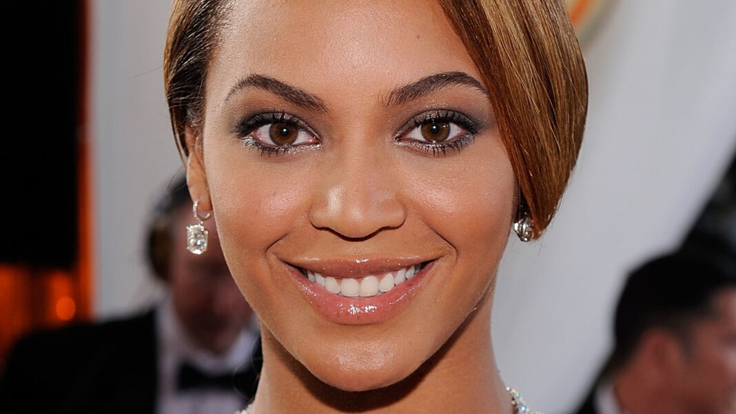 The Grammy Moment That Had Beyonce Fans Upset With Trevor Noah