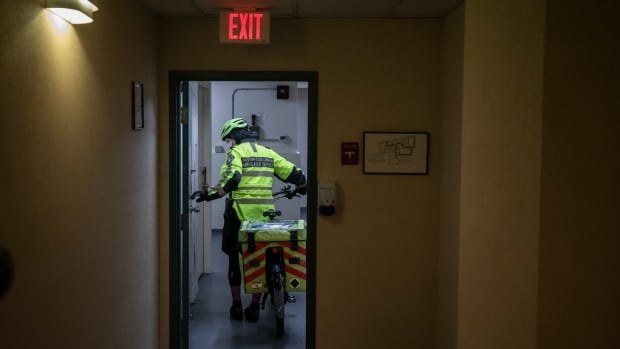 B.C. paramedics respond to record number of calls for drug poisonings in a single day