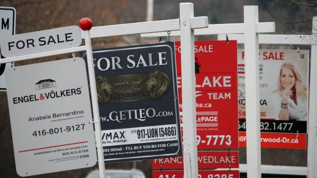 Canada's new home construction hits record high in March