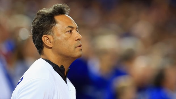 MLB fires Roberto Alomar from consultant position amid sexual misconduct allegation