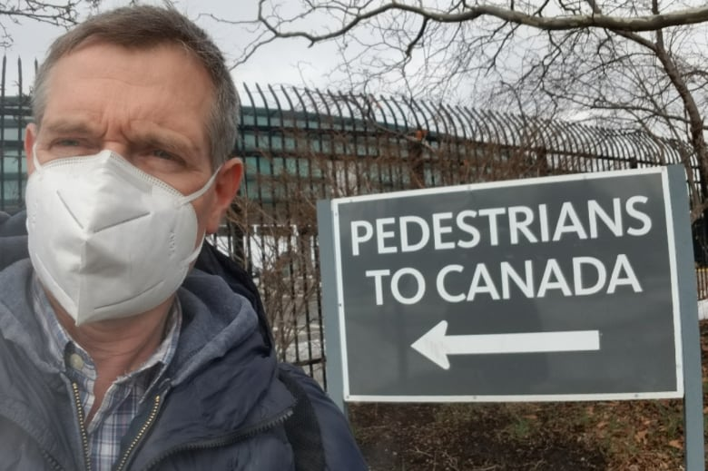 'More people are catching on': Travellers using U.S.-Canada land border to avoid quarantine hotels