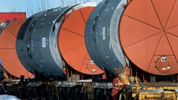 Canada, Alberta sign deal for $1.3B hydrogen plant in Edmonton