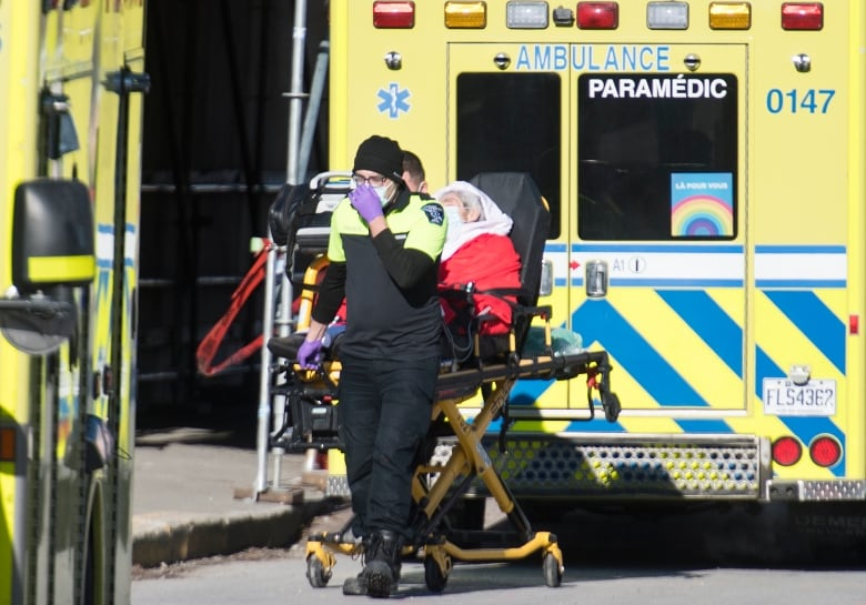 How the COVID-19 pandemic lowered life expectancy in Canada last year