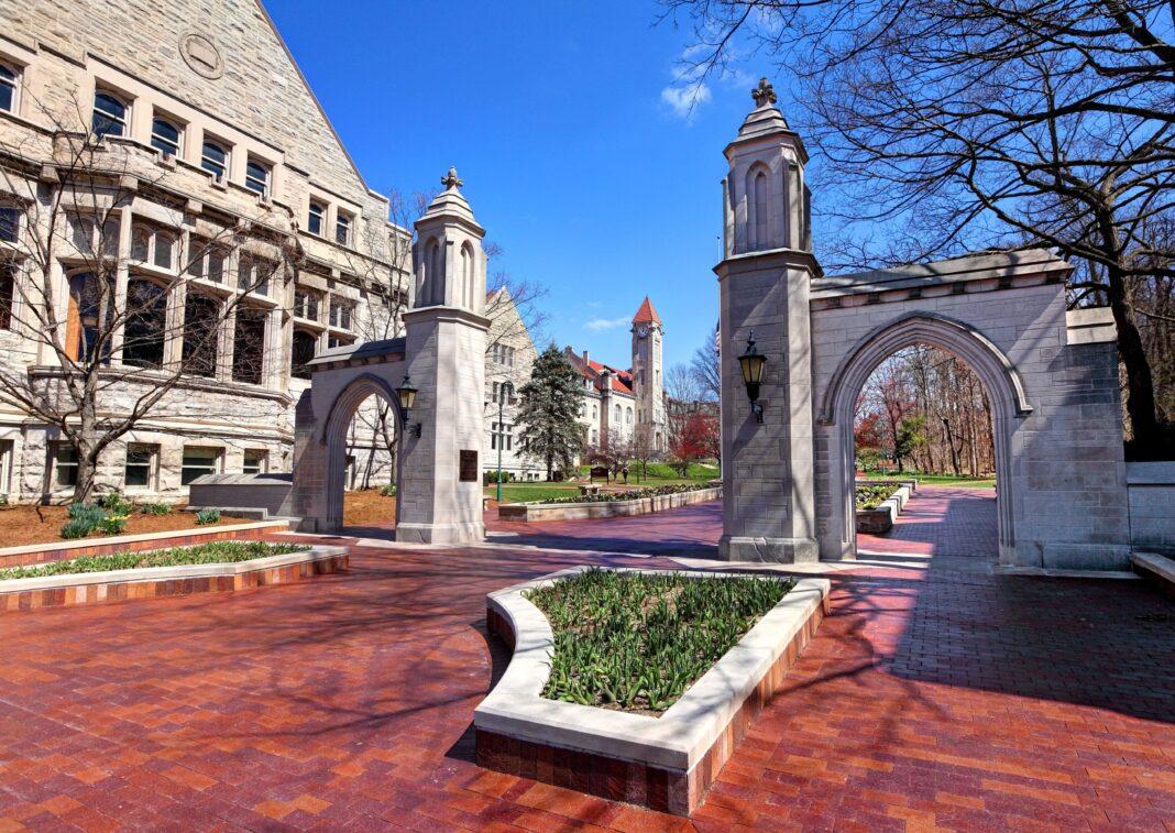 Indiana Students Sue University Over COVID-19 Vaccine Mandate
