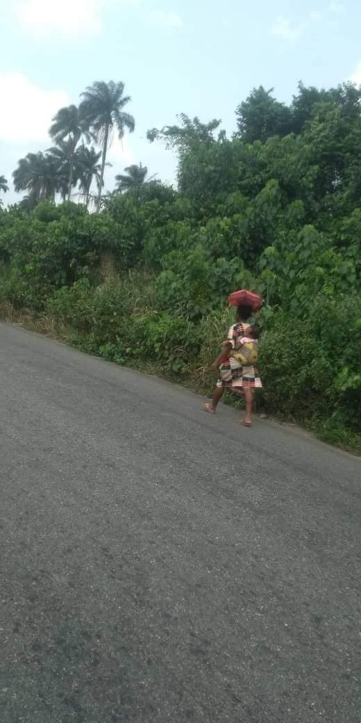 Residents flee Rivers community as suspected cultists behead vigilante chairman (photos)