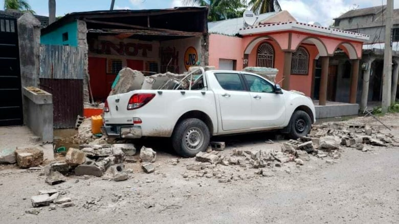 Haitian Quebecers scramble to reach loved ones, plan aid after major earthquake