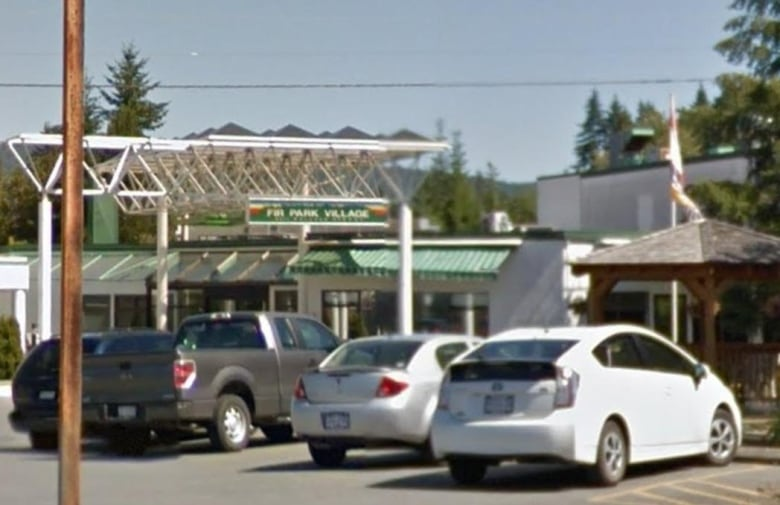 Care has declined for years at 2 Vancouver Island long-term care homes, say staff, residents