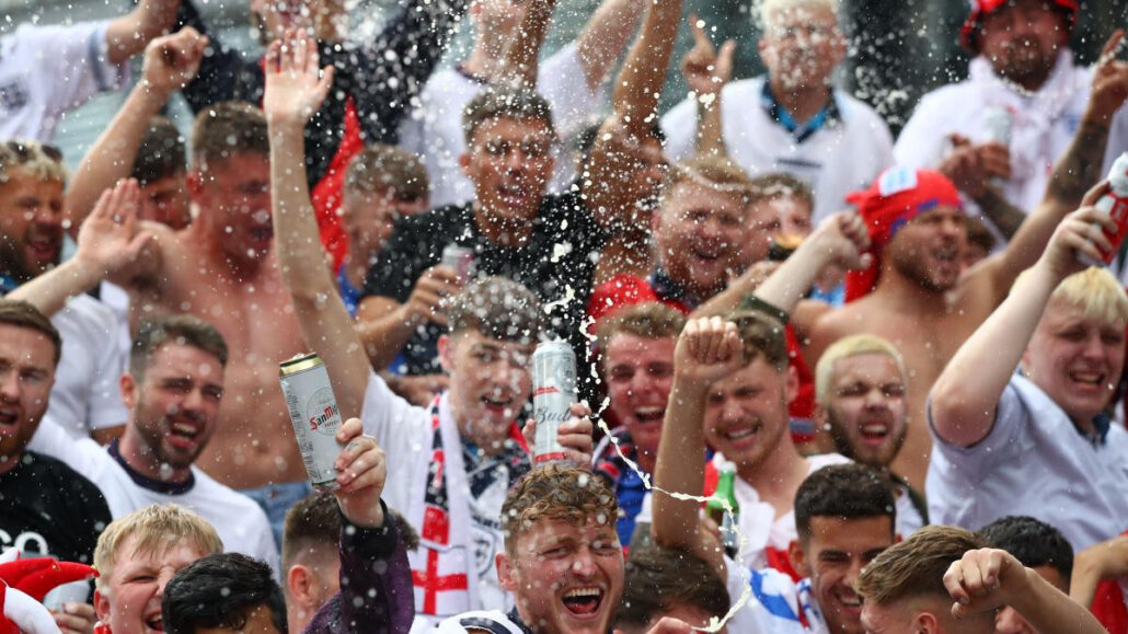 Football fans set to be allowed to drink alcohol at their seats after 36-year ban