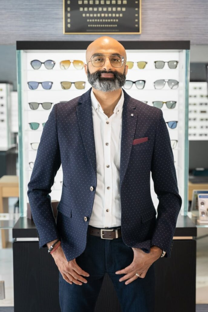 Ontario patients fear vision loss as no end in sight to optometrists' dispute with province