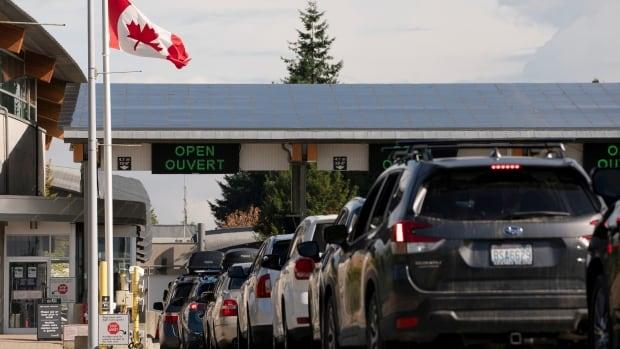 U.S. senators push Biden to lift border closure with Canada