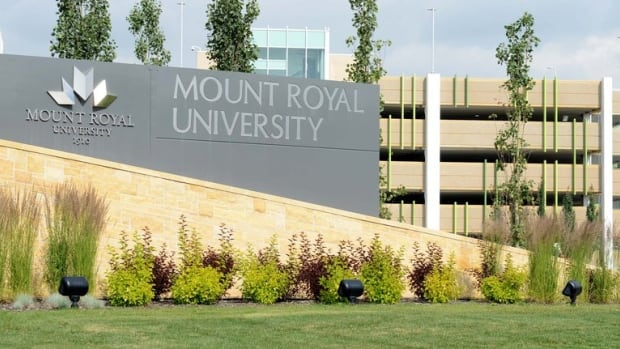 11 Mount Royal University students deregistered for not declaring vaccination status